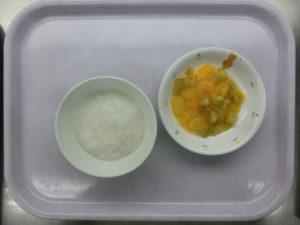 8月4日(水)離乳食プレ後期(9か月頃の食事)